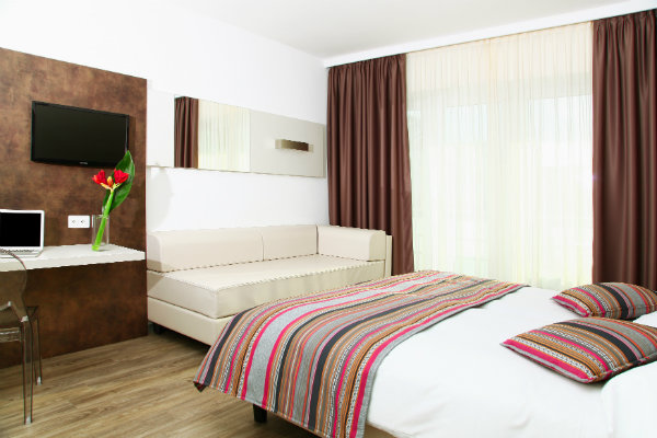Camere Familiari Lugano : Hotel hotel colorado lugano
